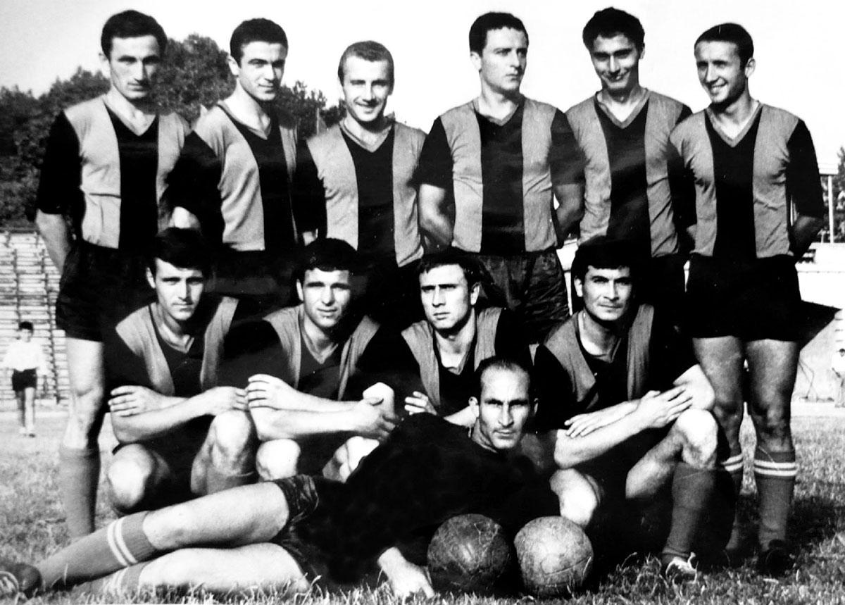 Локо (Русе) през сезон 1964/65
