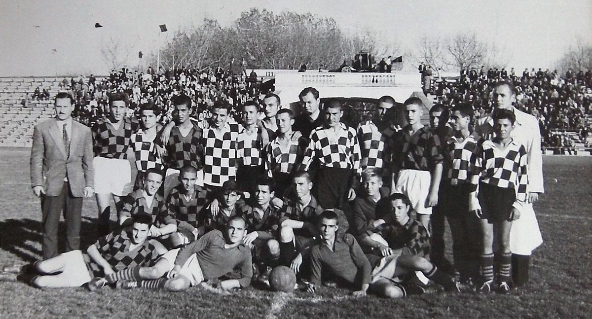 Юношите на Локомотив (Русе) през 1958 г.